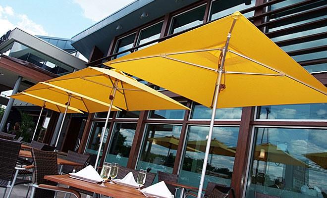slide1-resort-umbrellas