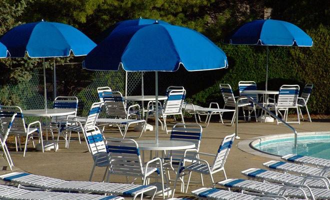 slide2-resort-poolside